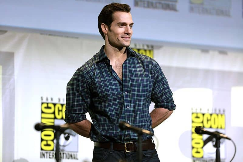 Henry Cavill shows his scar