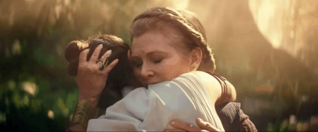 Leia and Rey Hug star wars leia jedi