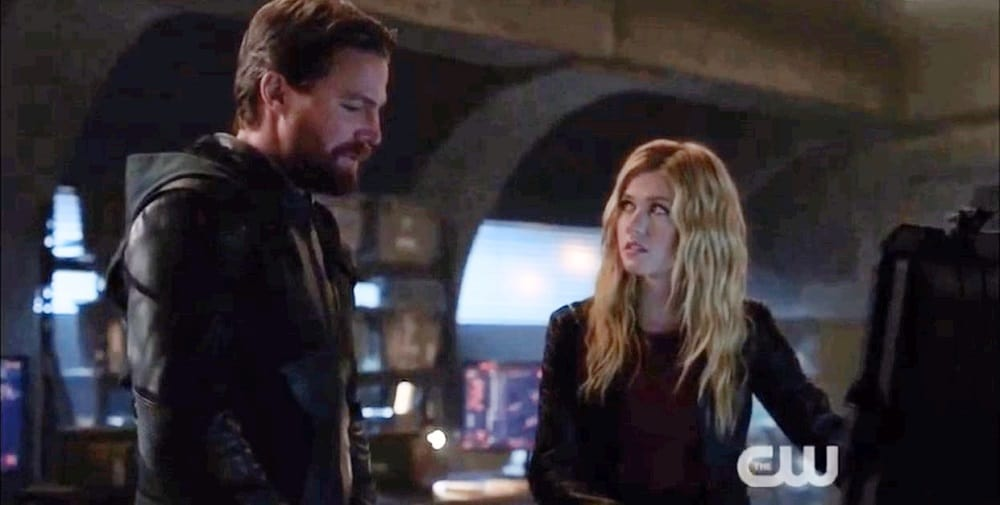 Crisis On Infinite Earths Hour 1 Oliver and Mia