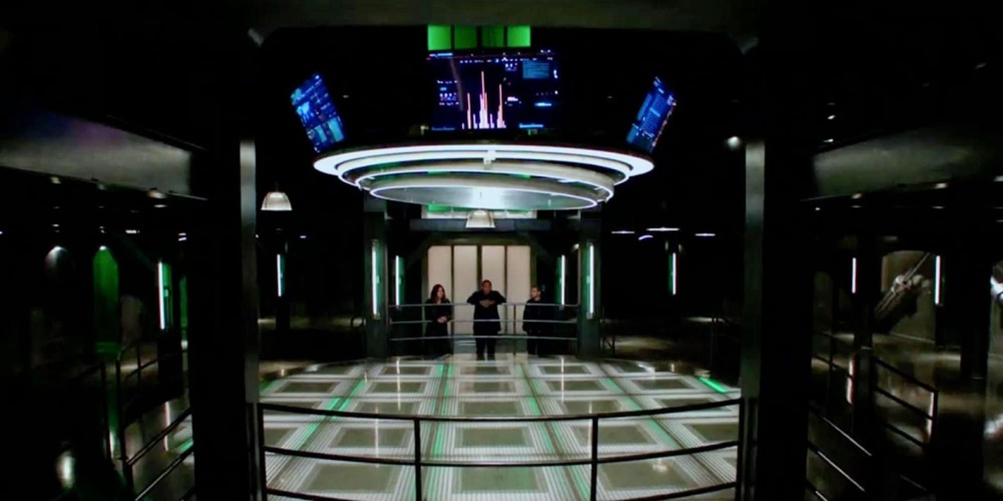 Arrow Series Finale Empty Arrow Cave 1