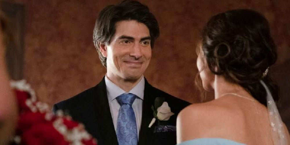 Legends of Tomorrow Mister Rogers episode Brandon Routh Cortney Ford Nora Darhk Ray Palmer