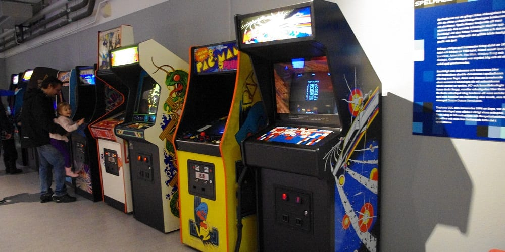 Video Game Industry Arcades Because This Guy Thinks They are still a thing
